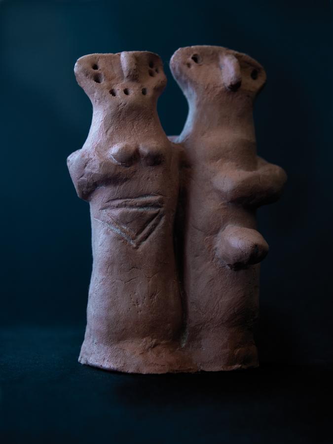 Los amantes de Gumelnitja Ceramica finales del V milenio aC Museo arqueologico de Olnetitja Balcanes Orientales