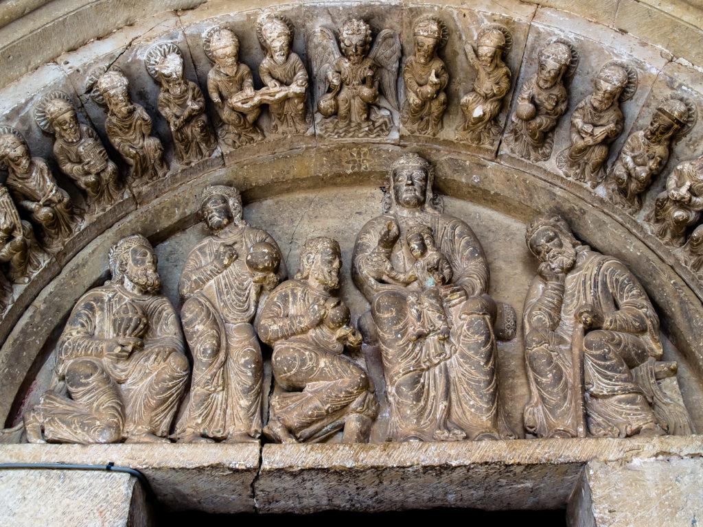La Adoracion de los Reyes Magos en el timpano de la portada de la iglesia de la Asuncion en la localidad burgalesa de Ahedo de Butron