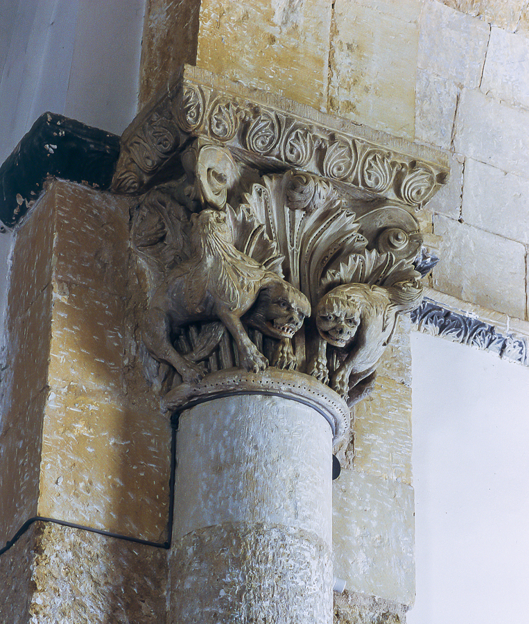 Capitel toral de la iglesia parroquial de la villa de Arenillas de San Pelayo en Palencia