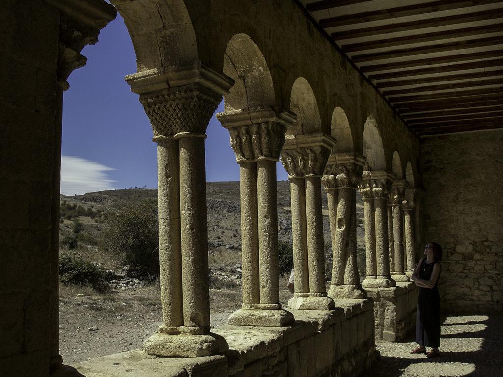 Caracena Iglesia de San Pedro Detalle del portico