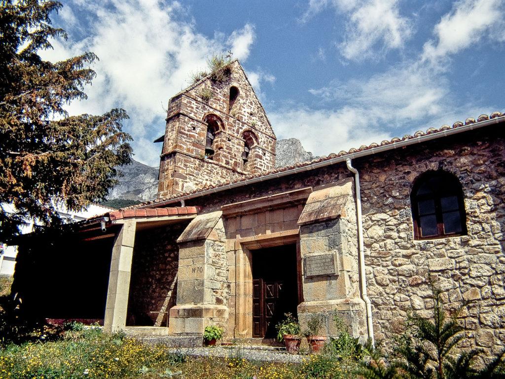 Iglesia parroquial de Colio