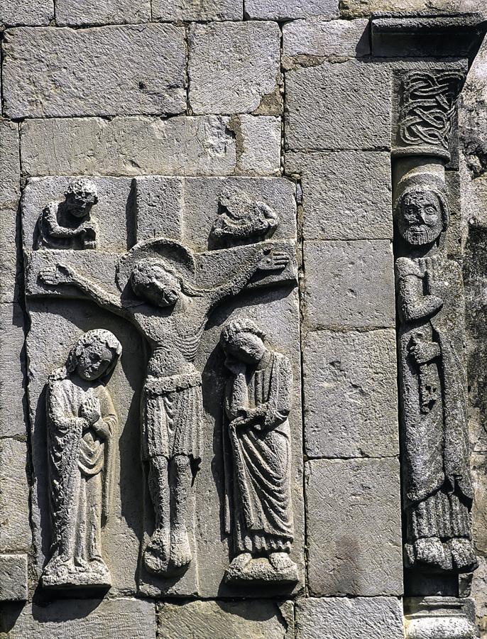 Relieve de la Crucifixion en la ermita de Tablares